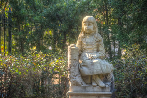 Bonaventure Cemetery, where our Savannah Cemetery Tours take place.