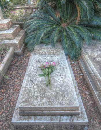 Johnny Mercer's burial site