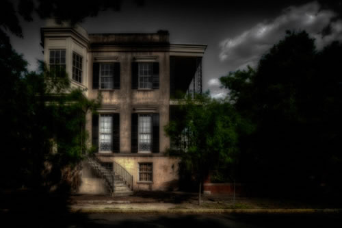 432 Abercorn, one of the most popular stops for Ghost Tours in Savannah.