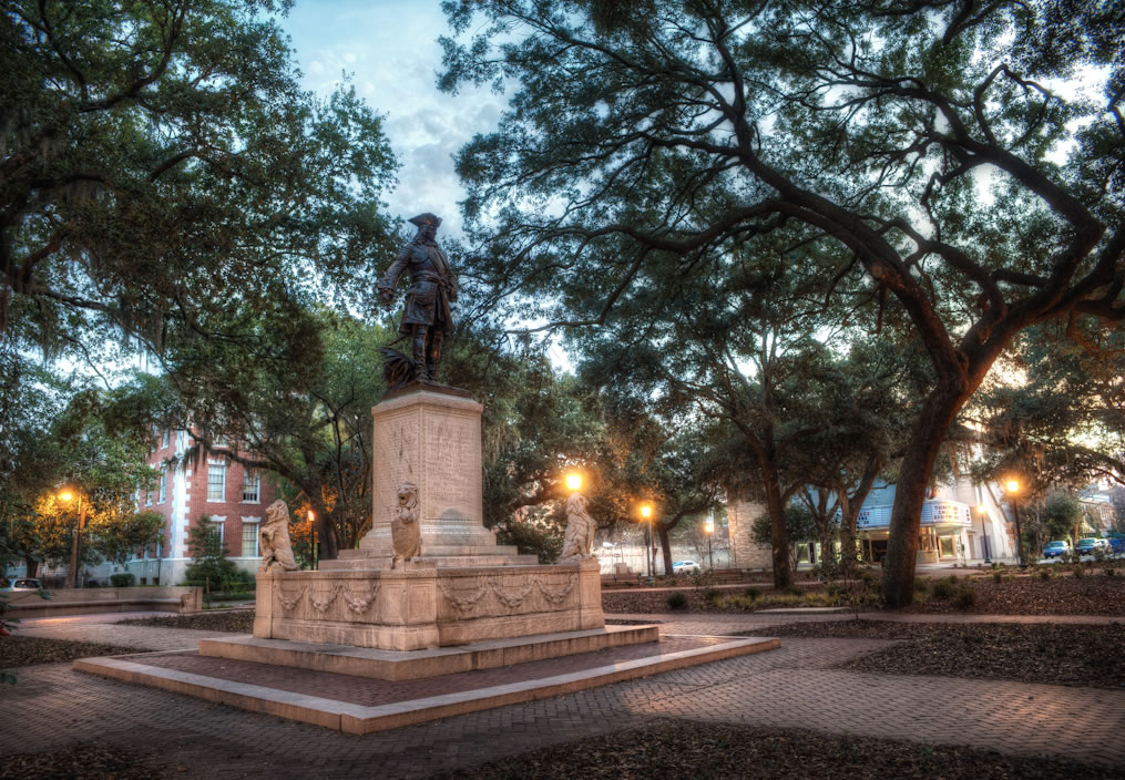 A photograph of the General Oglethorpe Statue at Sunrise