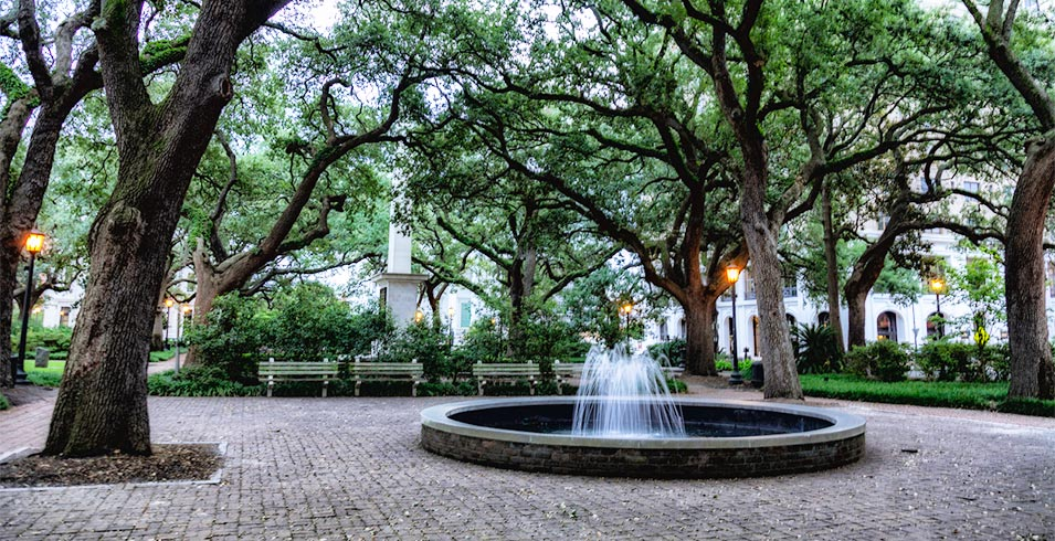 The fountains in Johnson Square