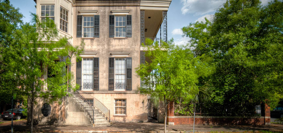 The historic house known as 432 Abercorn