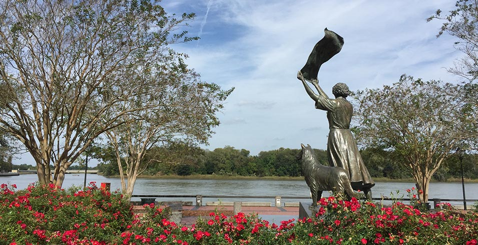 The Waving Girl, one of Savannah's many statues and monuments..